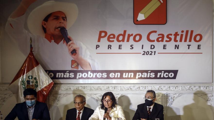 """Advierten sobre """"amenaza de golpe"""" ante maniobra del Jurado Electoral de Perú"""