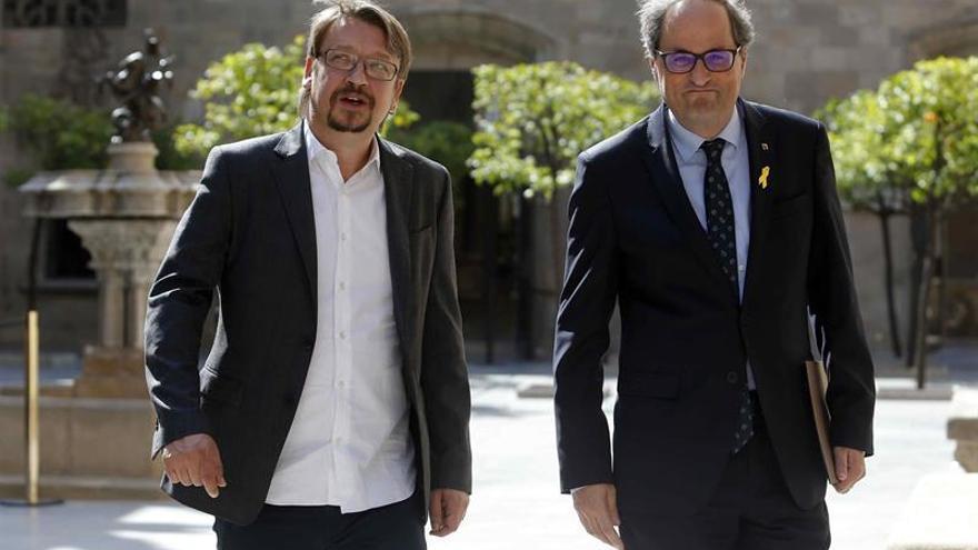 Torra acoge la propuesta de Domènech de abrir una mesa de diálogo en Cataluña
