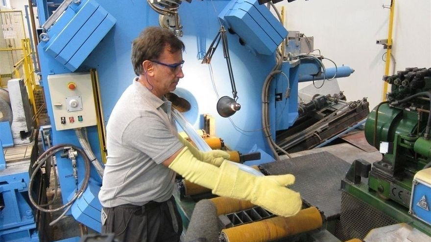 La industria es la que más empleo ha recuperado.