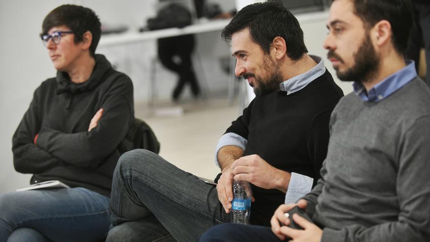 El secretario general de Podemos Madrid, Ramón Espinar, y su 'número dos', Fran Casamayor, en la reunión de campaña.