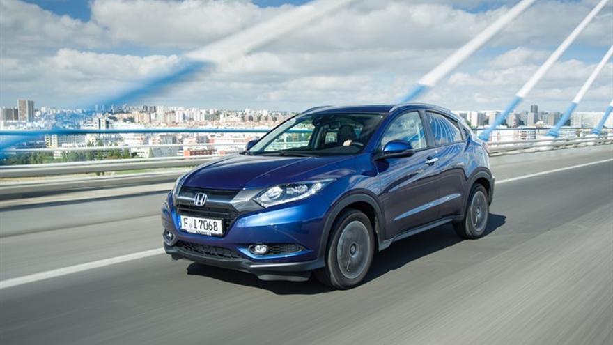 El HR-V ofrece dos motores: un diésel de 1,6 litros y 120 CV y un gasolina de 1,5 litros y 130 CV.