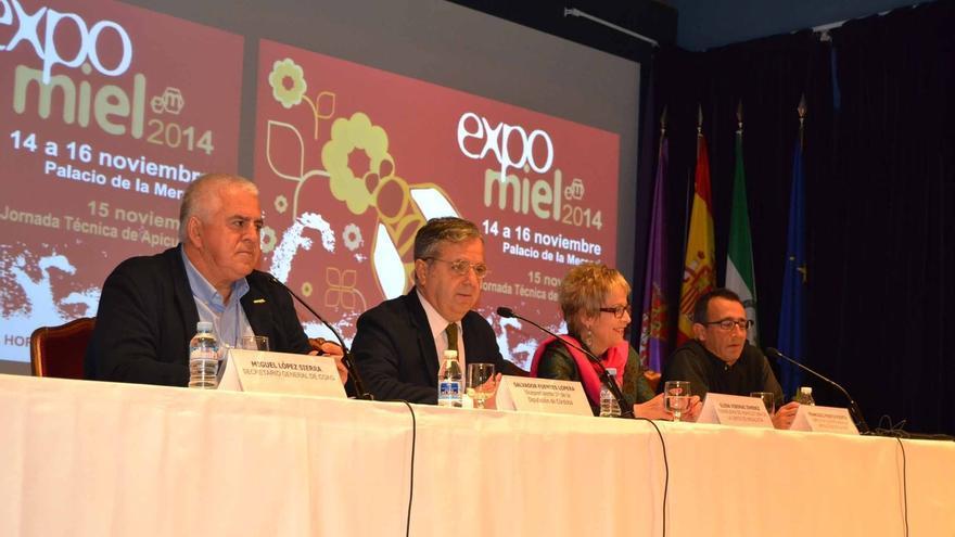 La Diputación instará al Ministerio de Agricultura a etiquetar la miel para conocer su procedencia