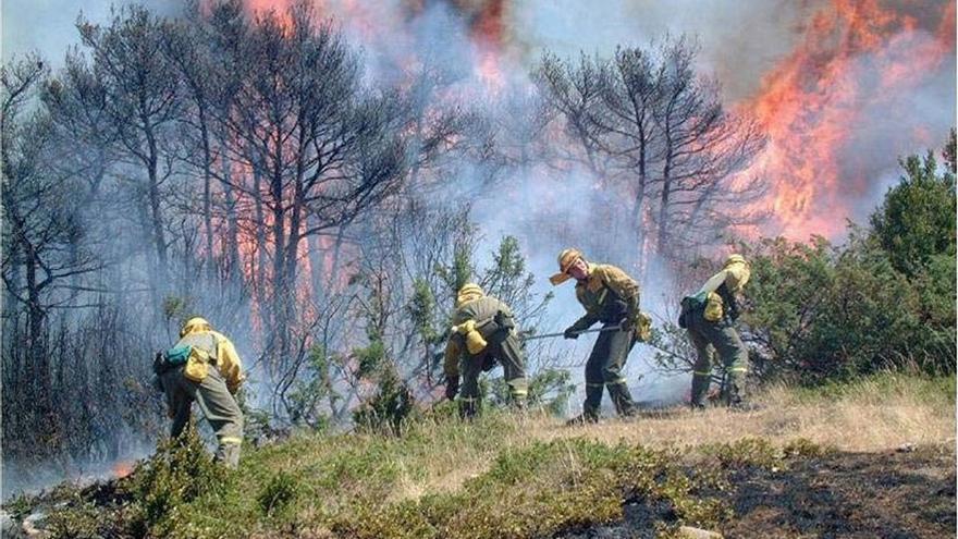 Las altas temperaturas sitúan a Navarra en alerta por el riesgo muy alto y extremo de incendio forestal