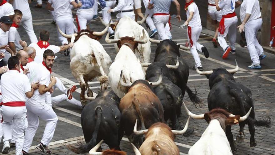 Los toros de Fuente Ymbro corren el encierro más rápido con dos heridos leves