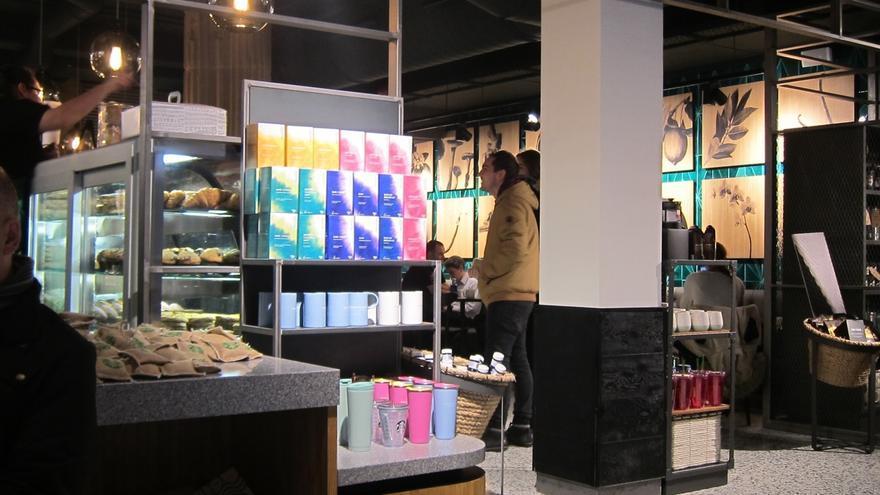 Starbucks emplea a 18 personas en su primera tienda en San Sebastián, con una inversión de 475.000 euros