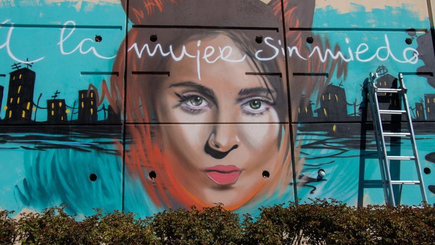 Uno de los graffitis en homenaje a Gata Cattana.
