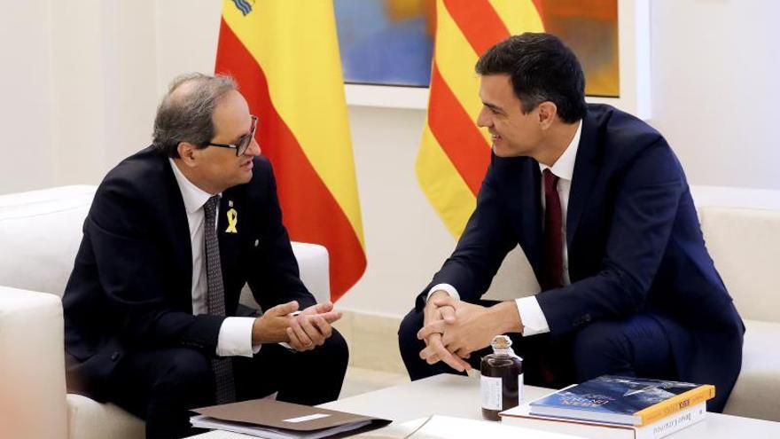 """Sánchez mantiene su intención de reunirse con Torra porque es """"lo habitual"""""""