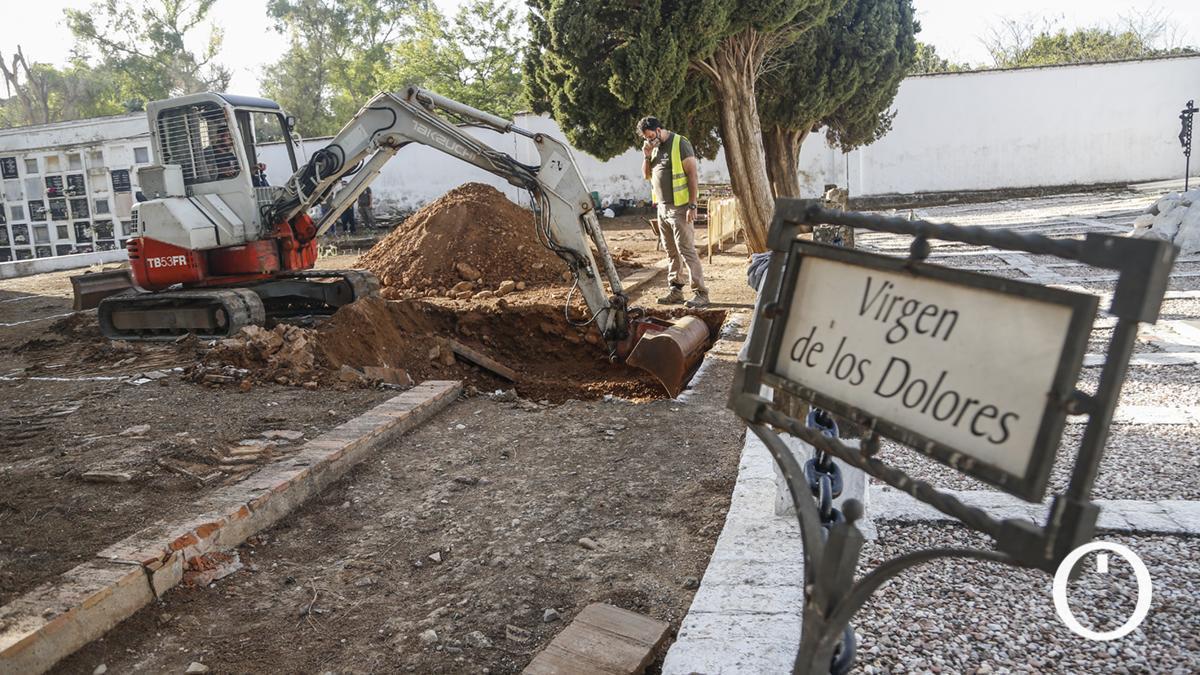 Nuevos trabajos en fosas del Cementerio de La Salud