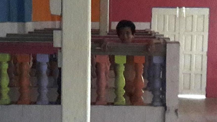 Una residencia malasia criticada por encerrar a discapacitados en cubículos