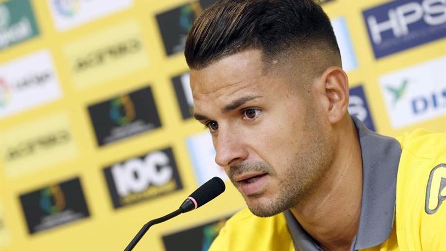Vitolo, durante su presentación como jugador de la UD Las Palmas. (EFE/Elvira Urquijo A.)