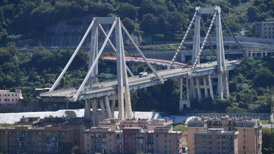 La filial de Atlantia dice que el puente de Génova pasaba controles periódicos