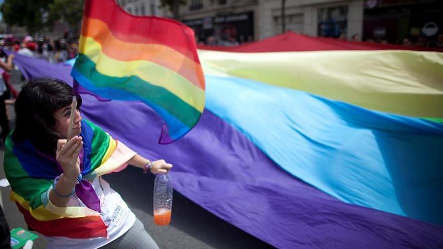 "LGTB, la historia de un abecedario ""arcoíris"""