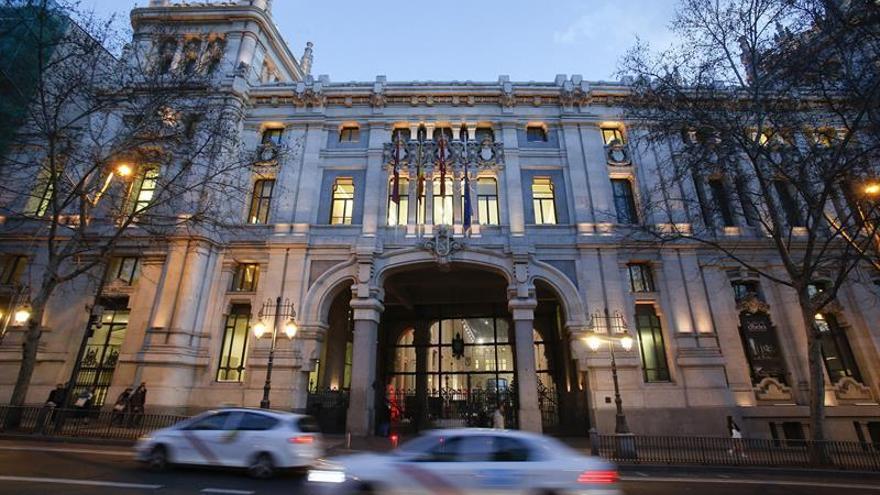 Las víctimas lamentan el rechazo del Ayuntamiento a querellarse contra el franquismo