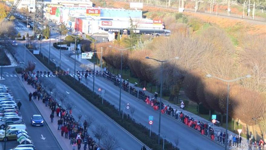 Cadena humana por Elcogás, Puertollano (Ciudad Real) / Foto: Europa Press