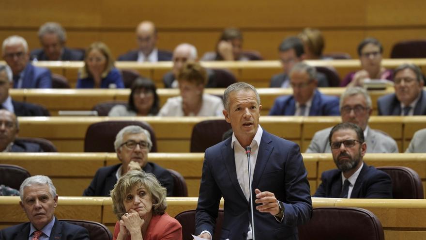 Ander Gil (PSOE) reconoce que el apoyo al 155 no es cómodo para Montilla pero descarta que PSOE se divida en el Senado