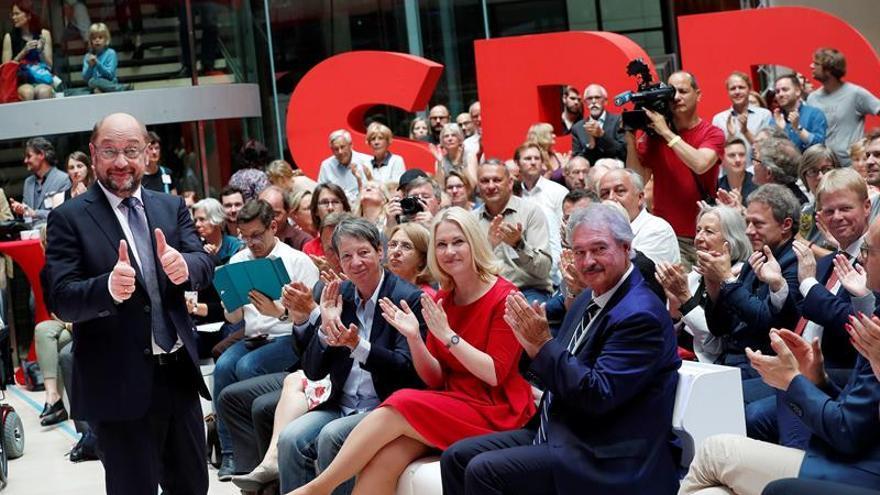 El SPD alemán apuesta por las inversiones para diferenciarse de Merkel