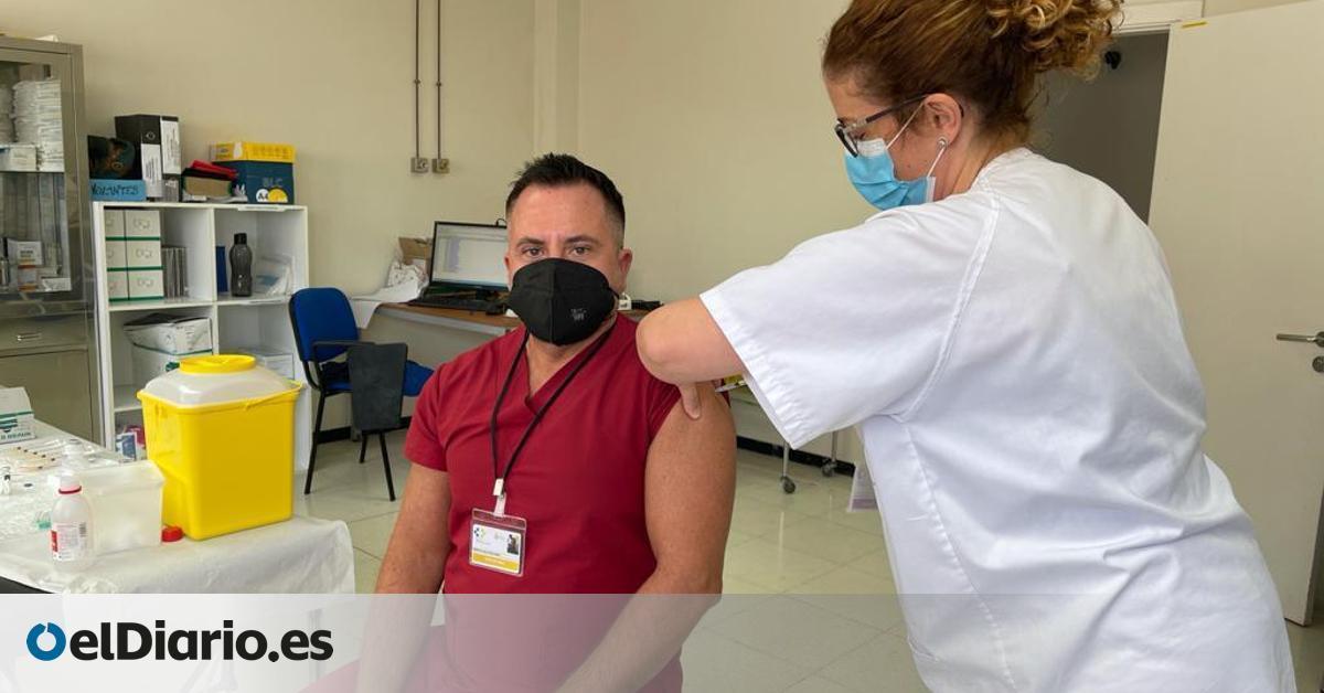 Canarias administra la vacuna contra la COVID a casi 40.000 personas, un 89% de las dosis recibidas