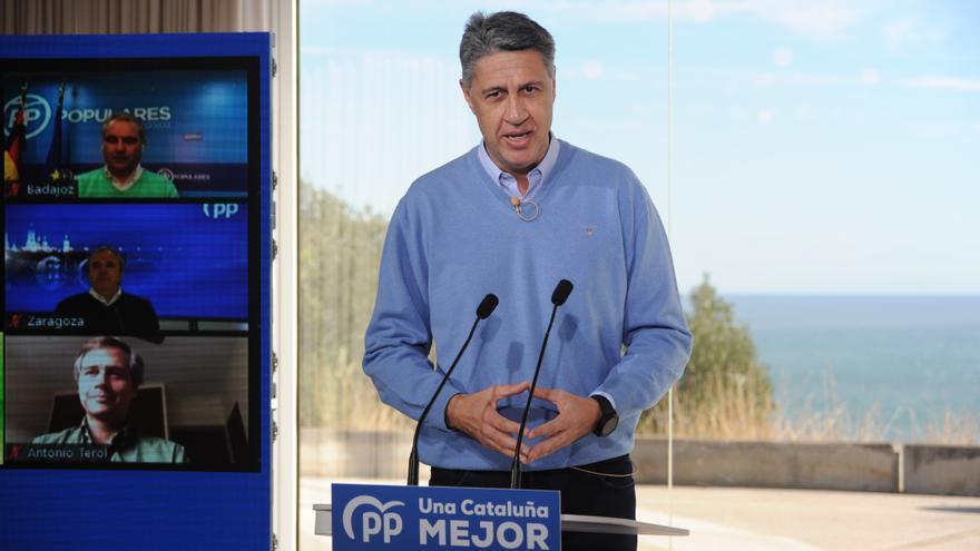 Archivo - El presidente de Badalona, Xavier García Albiolinterviene durante un acto de campaña con alcaldes en Badalona, Barcelona, Cataluña (España), a 31 de enero de 2021.
