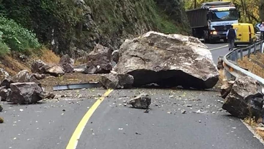 El Desfiladero De La Hermida Sufre Un Nuevo Desprendimiento De Rocas