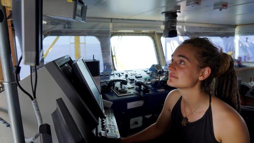 El Sea Watch sigue bloqueado frente a Lampedusa con 42 migrantes a bordo