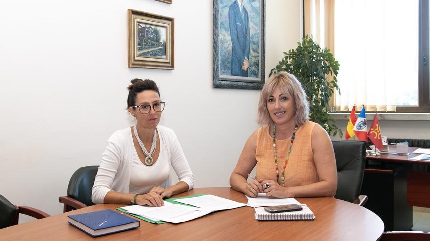 La alcaldesa de Polanco, Rosa Díaz Fernández, y la concejal de Mujer, Igualdad, Participación Ciudadana y Sanidad, María José Liaño García.   EUROPAPRESS