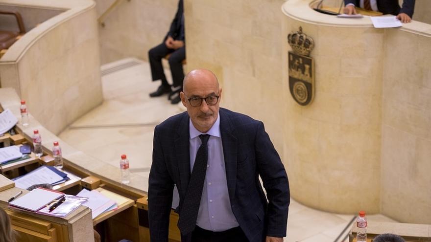 """Álvarez (Cs) ve una """"buena noticia"""" que Revilla """"haya decidido ponerse al lado de los constitucionalistas"""""""