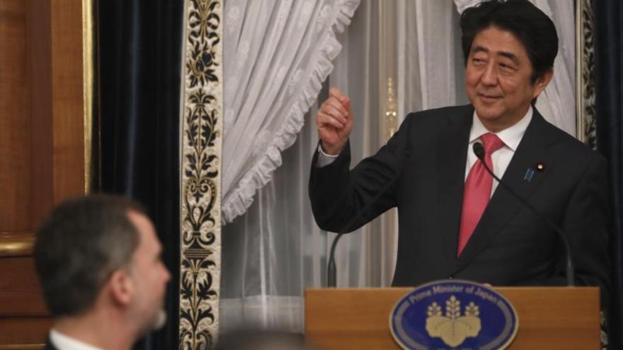 """Abe destaca la pasión japonesa por el """"ajillo"""" y el flamenco"""