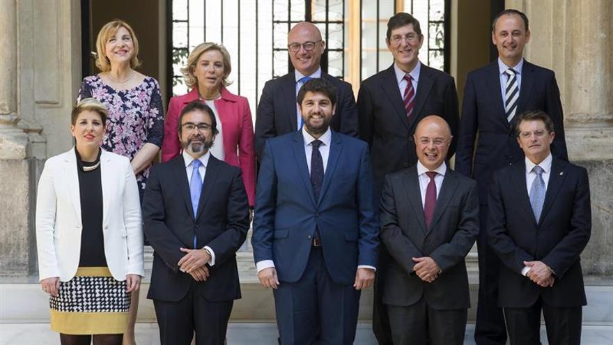 """Consejeros del nuevo gobierno murciano juran sus cargos en acto """"íntimo"""""""