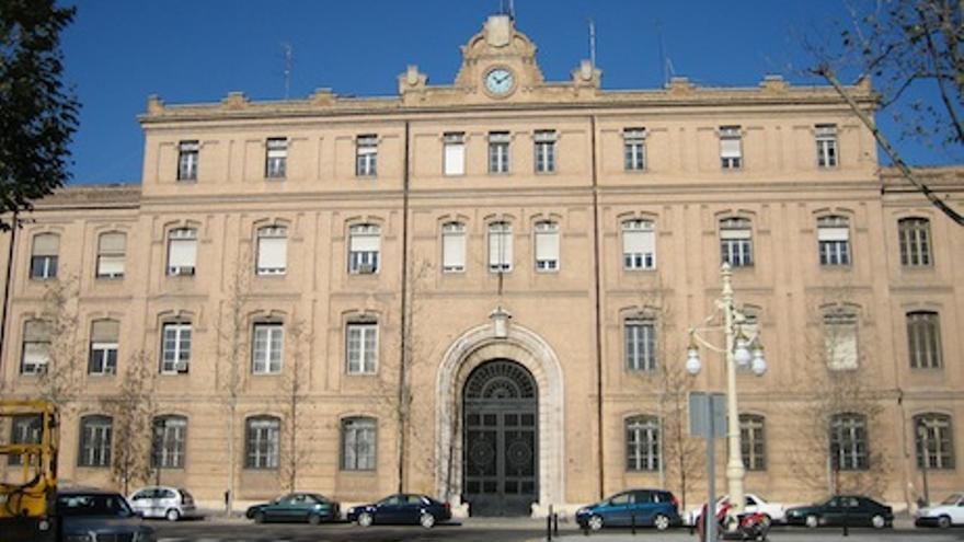 Imagen de Tabacalera, edificio municipal que alberga despachos y oficinas funcionariales
