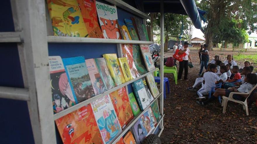 A pedaladas: libros que arrancan a los niños colombianos del conflicto armado