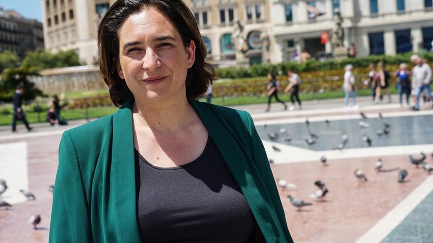 Ada Colau, en la plaza Catalunya.