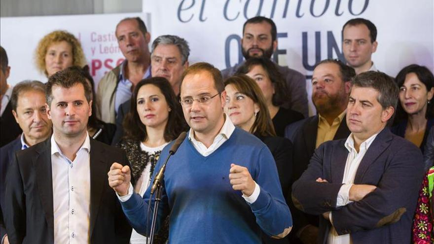 """César Luena asegura que Rajoy """"está poniendo en peligro las pensiones"""""""