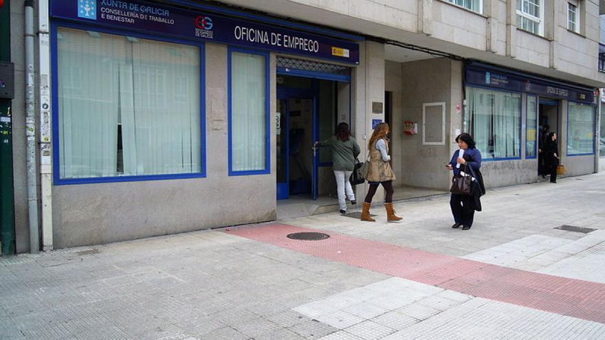 Un parado de larga duraci n pierde la ayuda al no for Oficina virtual de empleo galicia