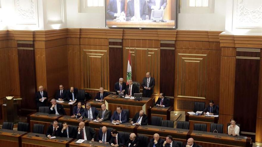 """El presidente del Parlamento libanés considera """"inválida"""" la dimisión de Hariri"""
