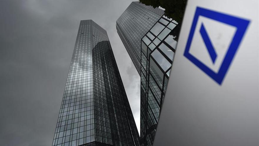 Las acciones del Deutsche Bank caen un 8 % en Fráncfort