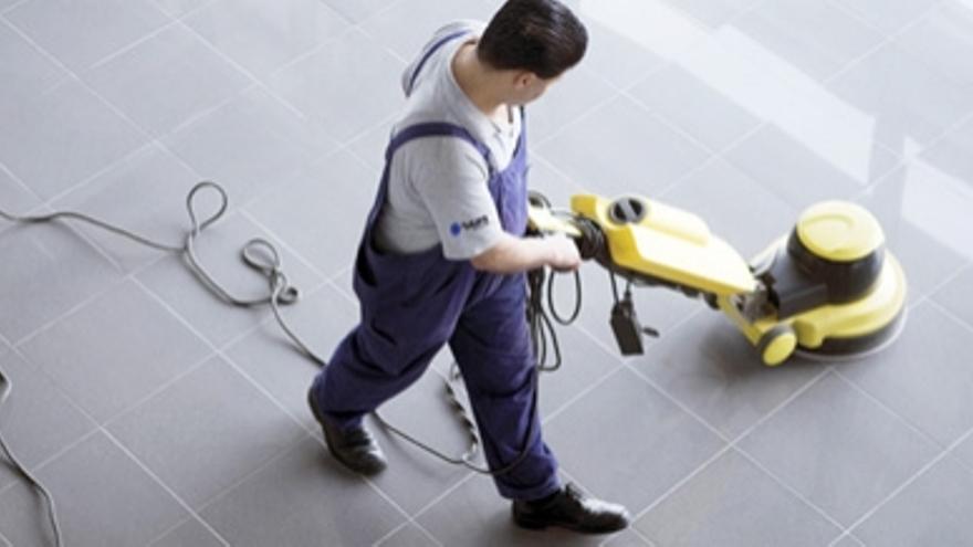 Trabajador de Ralons limpieza