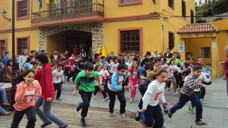 "Carrera Solidaria en colaboración con la ONG ""Save the children"" en Vallehermoso"