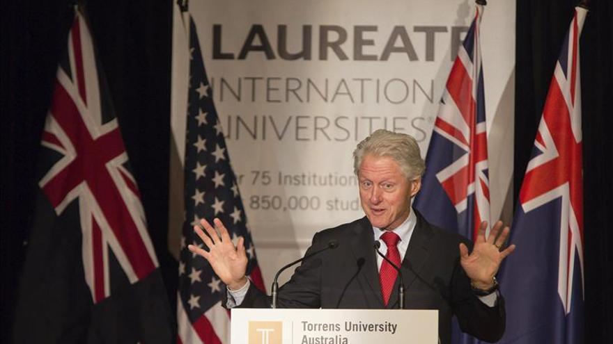 Bill Clinton pide apoyo para reconstruir Sanidad en zonas afectadas por ébola