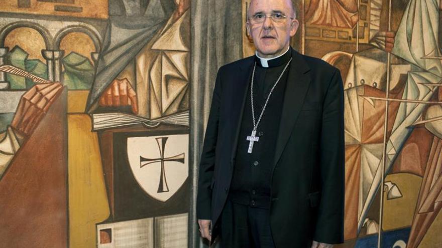 Osoro defiende la unidad de la jerarquía de la Iglesia con el papa Francisco