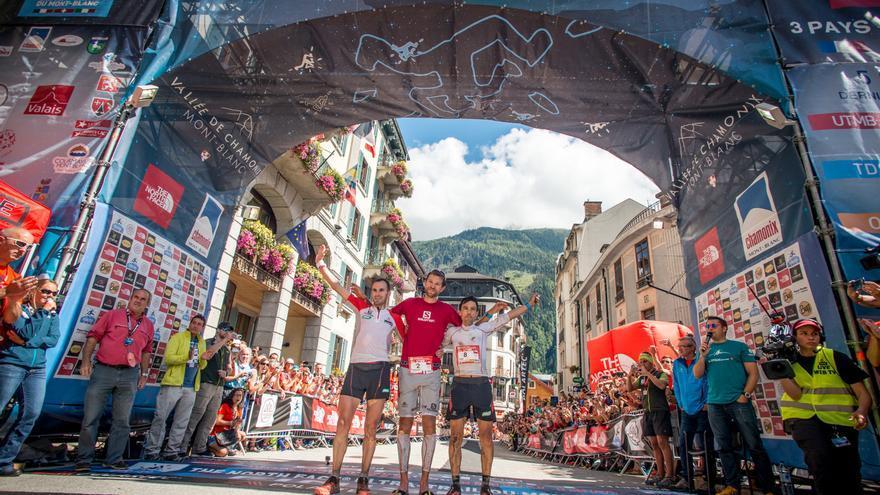 Podio masculino de la The North Face® Ultra-Trail du Mont-Blanc®.