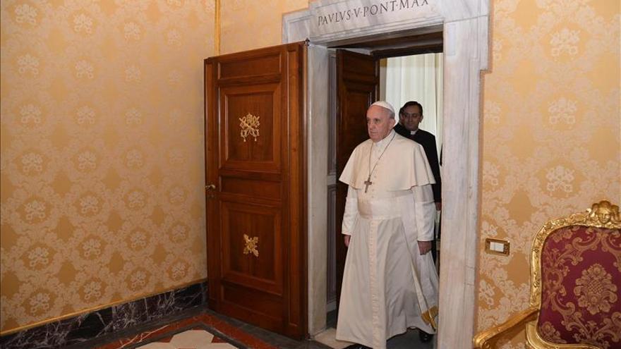 El papa llamó a la víctima para interesarse por su caso.