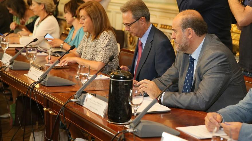 El vicepresidente primero del Gobierno regional, José Luis Martínez Guijarro, ha asistido hoy a la reunión para la elaboración de la Estrategia Nacional frente al Reto Demográfico