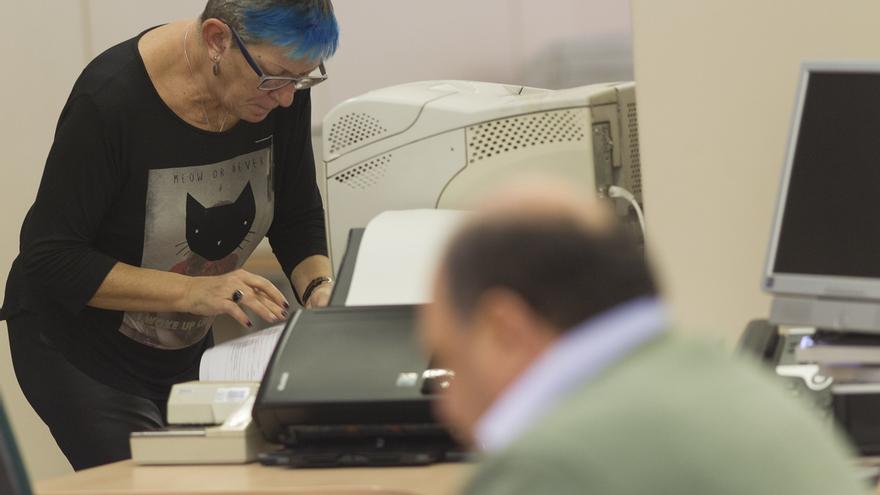 Hacienda ofrece a los funcionarios un plan de subida salarial a tres años vinculado al PIB
