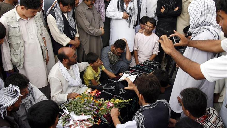 China condena el ataque en Kabul y ofrece todo su apoyo contra el terrorismo
