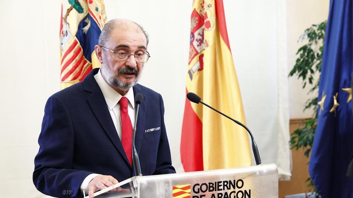 El presidente del Gobierno de Aragón, Javier Lambán, con el presidente de Correos, Juan Manuel Serrano.