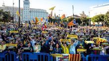 Miles de personas piden en Barcelona la anulación del juicio del 'procés'