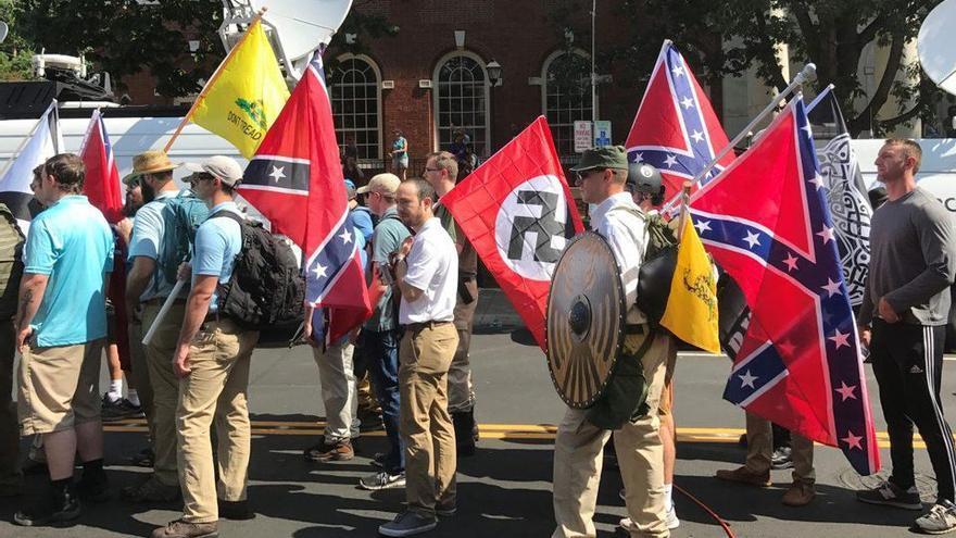 Varios neonazis en Charlottesville (Virginia, EEUU) en agosto de 2017