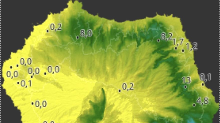 Mapa de HDmeteo.com donde se indica los litros por metro cuadrado recogidos en diferentes puntos de La Palma.