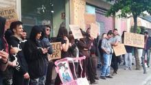 Decenas de jóvenes protestan contra Vox y HazteOir en Jerez de la Frontera