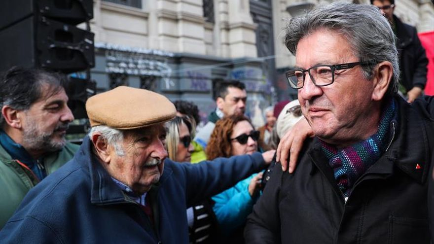 """Mélenchon apela a la """"responsabilidad"""" de los votantes de izquierda en Uruguay"""